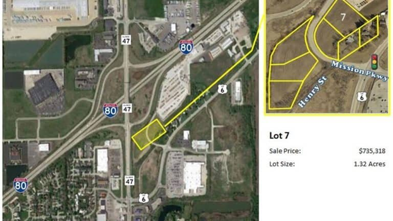 Mission Parkway/Henry Brown - Lot 7 3