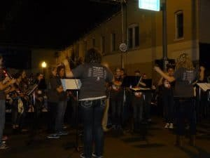 band playing in street