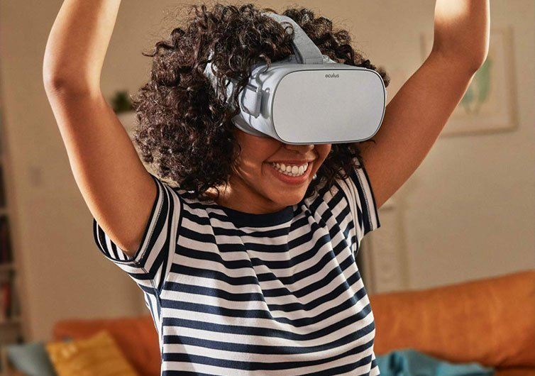 Teenager with Oculus Headset